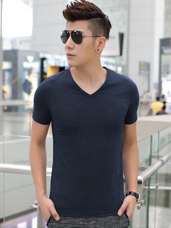 Ao Thun Co Tim Xanh Den AT541