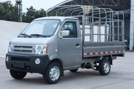 Ban xe tai Dongben 870kg doi 2016 gia canh tranh