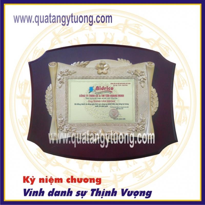 Co so san xuat bang vinh danh bang chung nhan ky niem chuong go dong