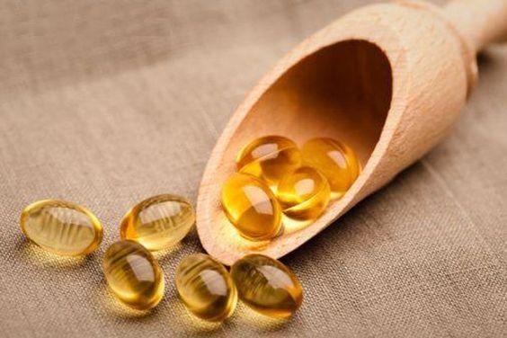 Lam trang da mo seo quang tham mat voi Vitamin E