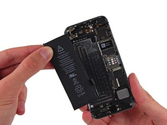 Goi dich vu thay pin iPhone 4S so tien phai tra hang dau Ha Noi