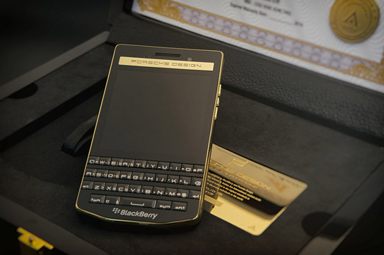 P9983 version graphtie duoc phan phoi voi so tien thanh toan kha cao luc nay The gioi Blackberry p