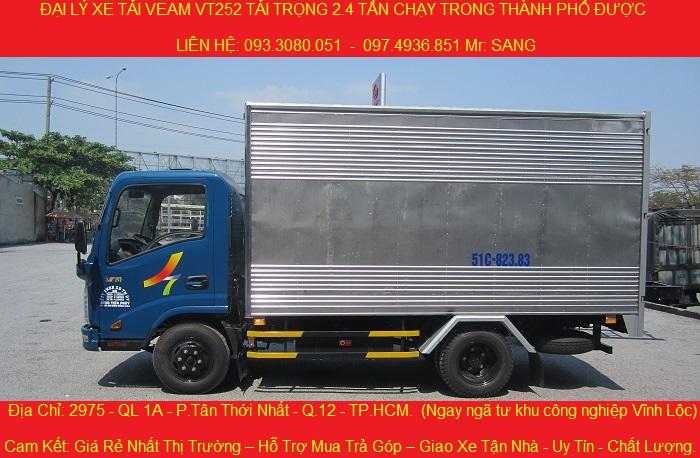 Xe tai veam vt2521 tai trong 24 tan thung dai 41 met chay vao thanh pho duoc dong co hyundai