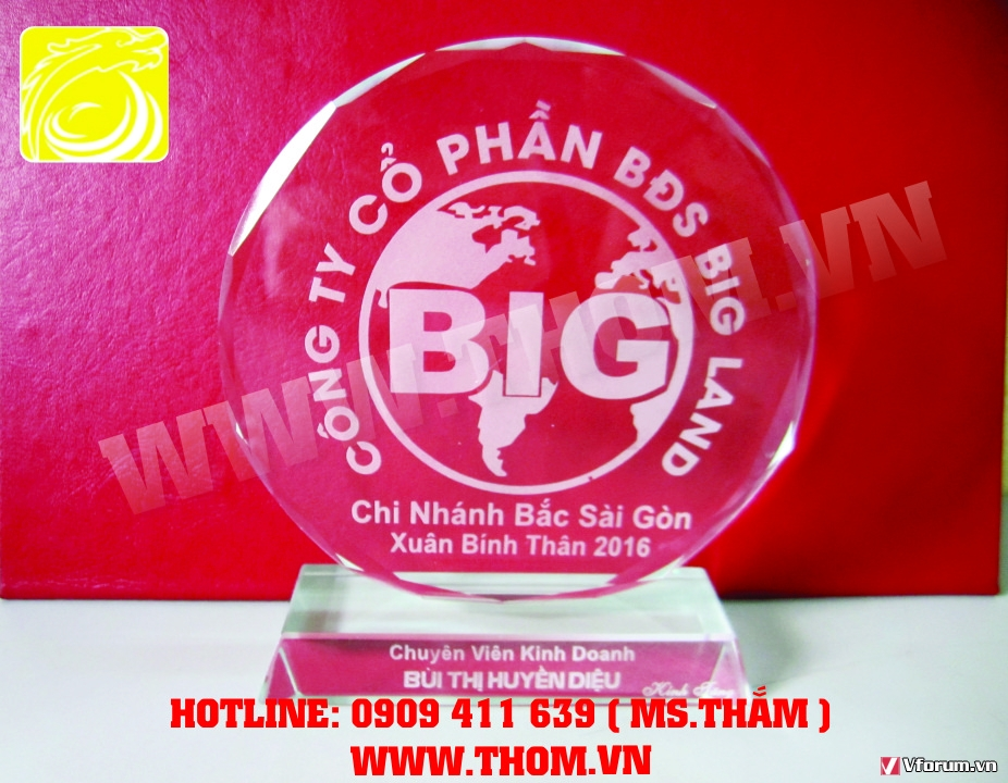 Co so san xuat cup pha le bieu trung go dong ky niem chuong thuy tinh gia re 0909411639