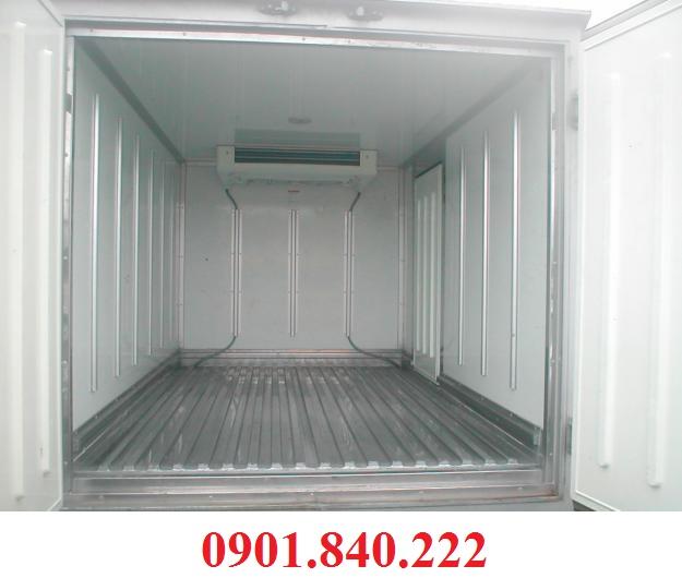Xe tai 5 tan Hyundai HD120 thung dong lanh moi 100 nhap khau chinh hang co xe san giao xe ngay