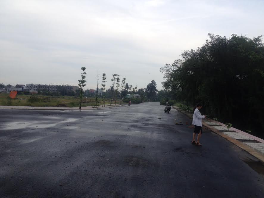 Ban dat DT 423m MT 28m so 83 Nguyen Van Troi gia 100 ty