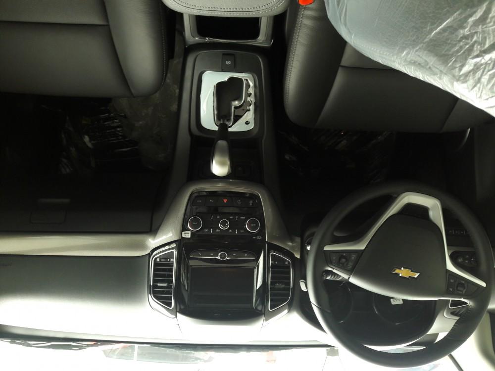 Ban xe Chevrolet captiva xe 7 cho tu My FULL OPTION ho tro vay 90