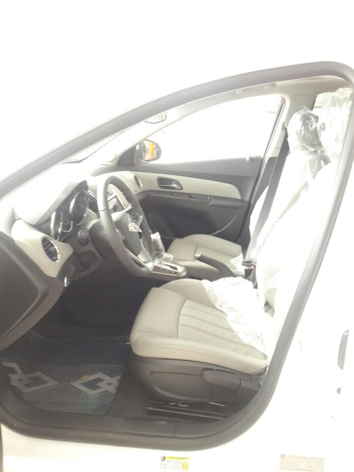 Chevrolet Cruze LTZ AT 2k17 LH 0934022388 KM cuc hot cuoi nam