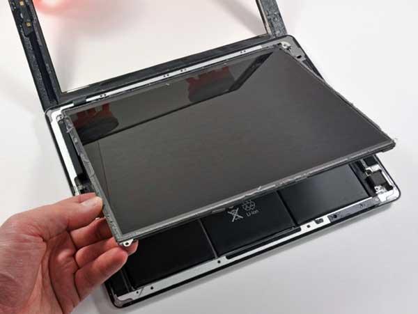 Dich vu thay the iPad Air 1 co diem chet hieu qua lay ngay sau 35 phut tai Huyen Nha Be