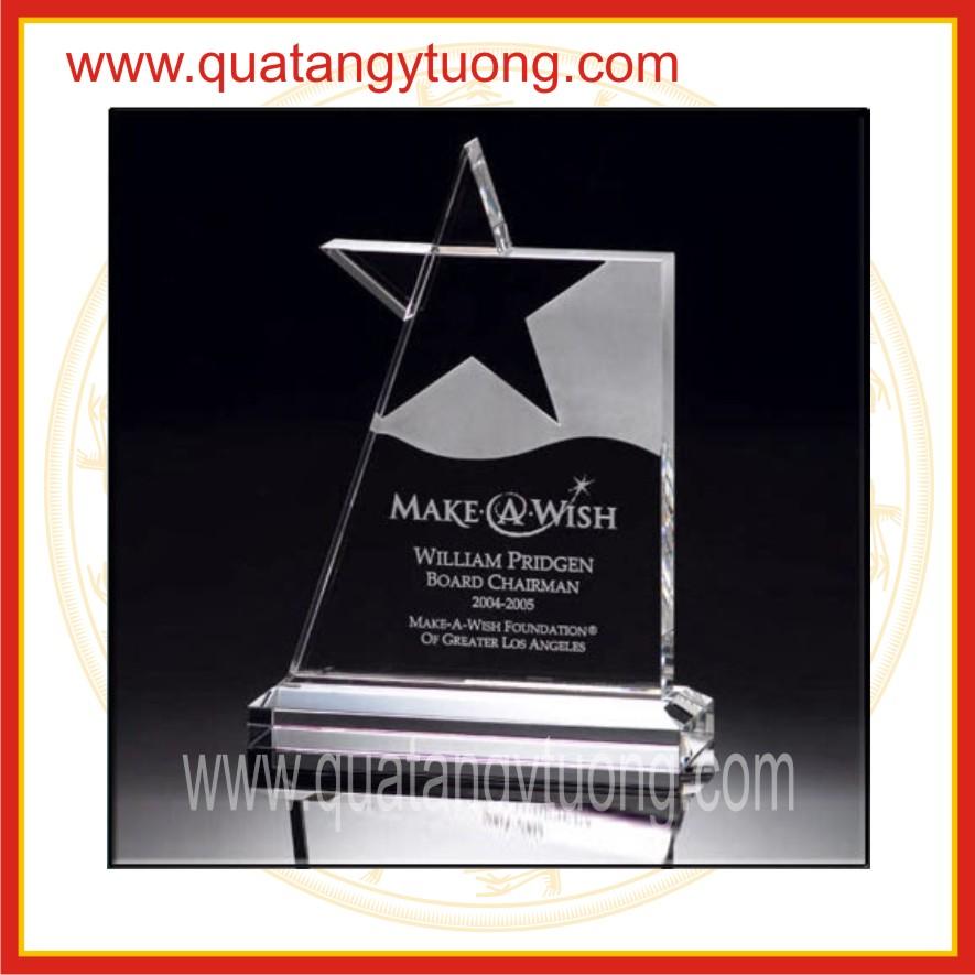 San xuat ky niem chuong thuy tinh trophy pha le thuy tinh