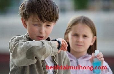 Khong duoc coi thuong voi benh chung viem mui di ung o tre em