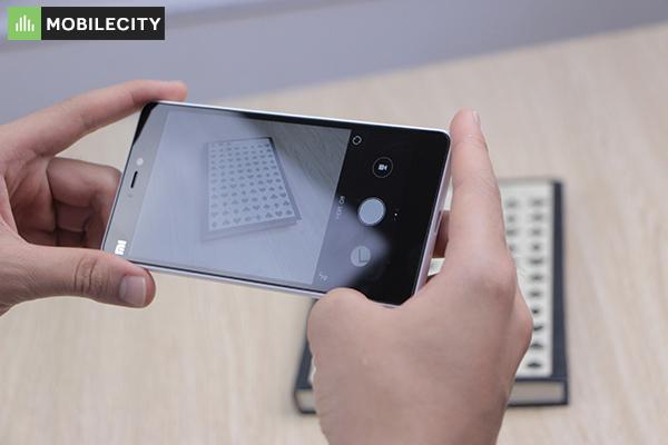 Trung tam khac phuc thay mat kinh Xiaomi Mi 4C chi 46p muc gia re o quan Dong Da