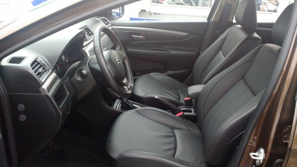 Suzuki Ciaz 2017 tan binh Sedan phan khuc B gia re tra gop 15 xe mua ngay