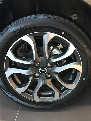Mazda 2 sedan 15AT du mau xe Nhat moi 100