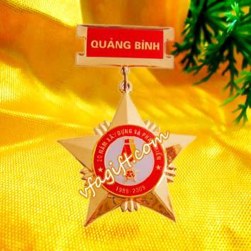 Qua tang ky niem chuong dong ky niem chuong dong huan chuong cai ao