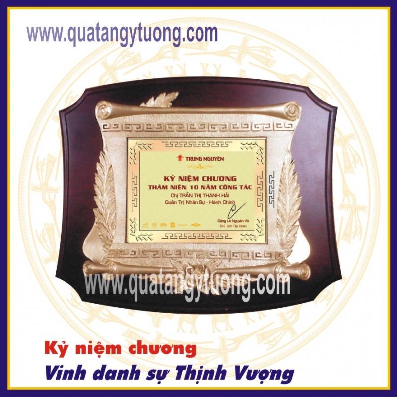 San xuat ky niem chuong go dong theo yeu cau Y Tuong Gifts